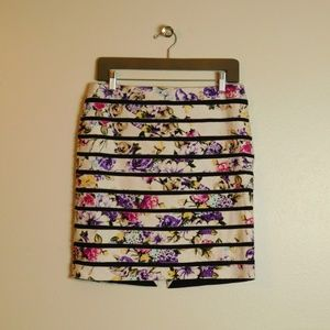 WHBM Pencil Skirt Floral Jacquard Banded Size 8